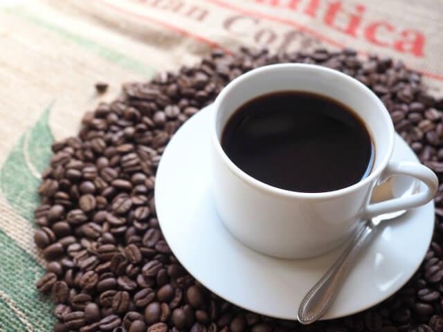 コーヒーを美味しく飲むために知っておこう!コーヒーの効果のメリットとデメリットまとめ