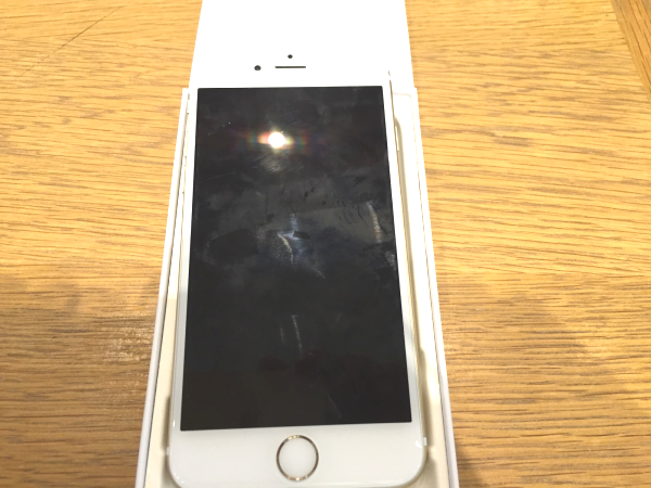 iPhone6の壊れた写真(全面)
